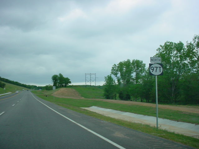 The northbound beginning of former OK 97T