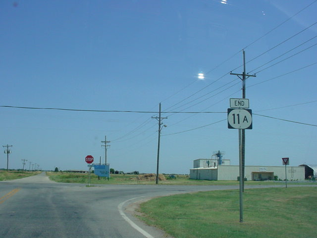 OK 11A at its northern terminus