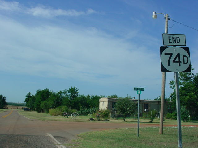 OK 74D at its western terminus